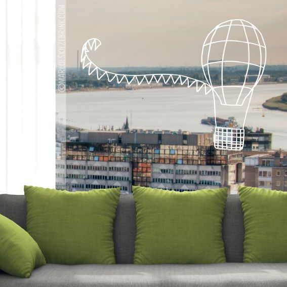 Fly away through the clouds to dreamland. This nice air balloon #windowdrawing is perfect for every bedroom. #raamtekening