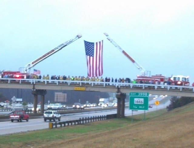 Roadside support for Chris Kyle's funeral procession