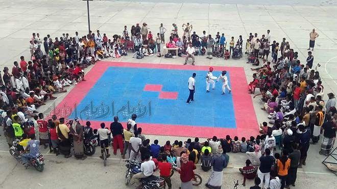 مكارم الأخلاق تحرز بطولة التايكواندو المدرسية الـ 13 في ساحل حضرموت أختتمت بساحة خور المكلا بالديس رياضة محلية Www Alayyam Basketball Court Court Sports