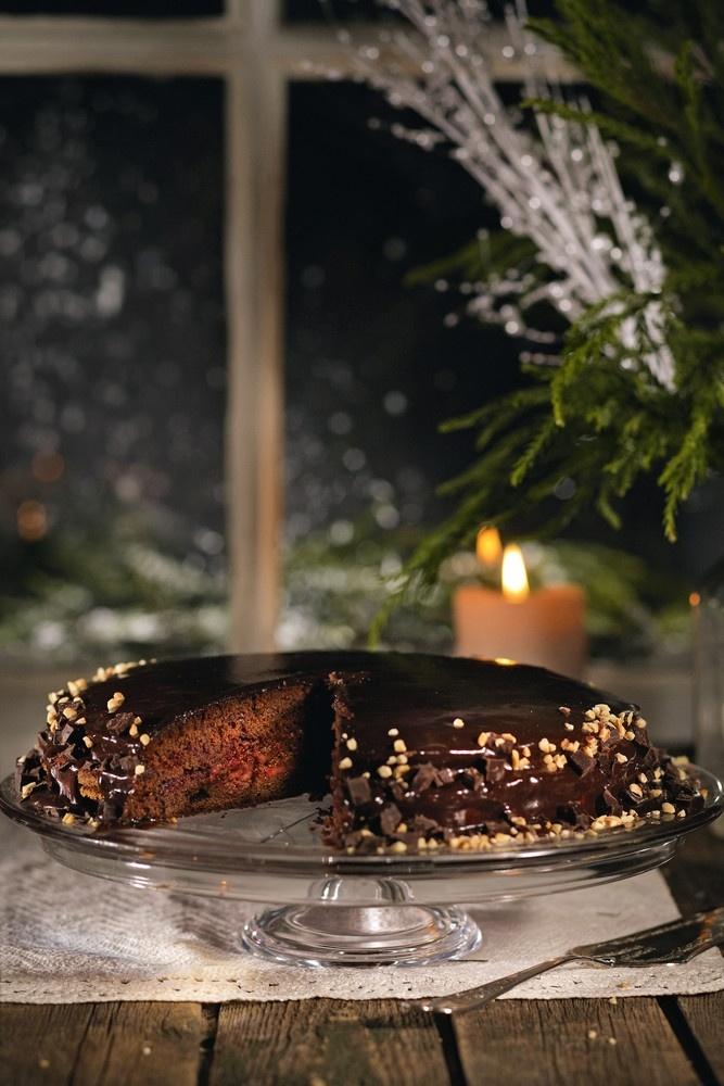 Mehevä suklaa-kinuskikakku | K-ruoka #joulu