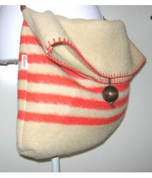 Handmade bag of woolen blanket made by #doordoorgemaakt