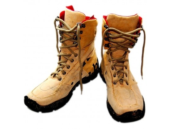 These Eco-boots from Tuita USA are made from recycled tires and recycled truck tarpaulins. They have a 100% cotton interior and are completely vegan. $50.31 #boots