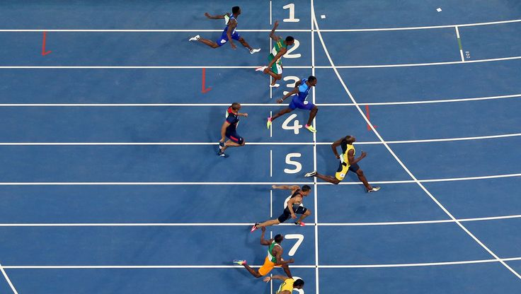 Usain Bolt wins Olympic 100 metres final in 9.81