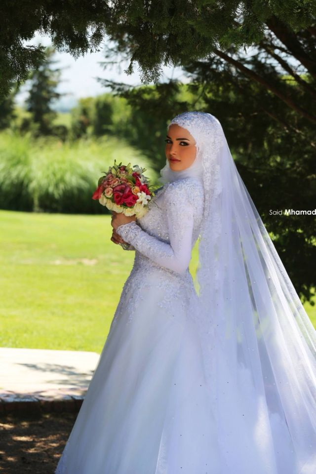 Beautiful Hijab styles for wedding. #Hijab #bride