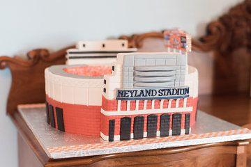 Neyland Stadium cake, Neyland stadium groom's cake