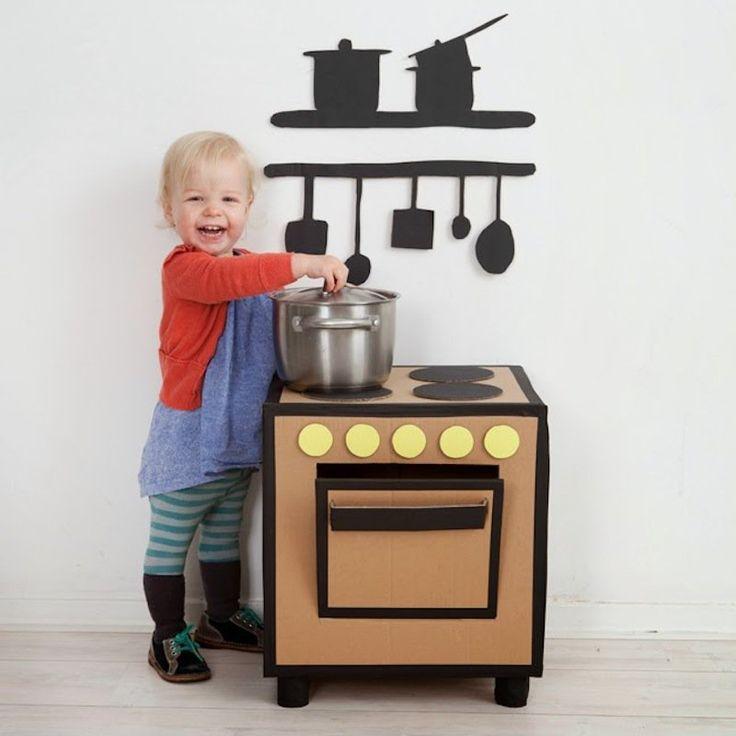 Les 25 meilleures id es de la cat gorie cuisine en carton for 2 filles en cuisine lyon