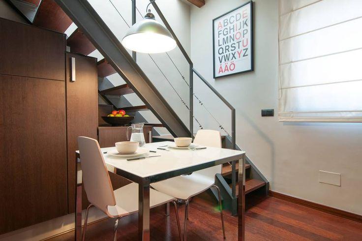 Airbnb'deki bu harika kayda göz atın: DESIGNER DUPLEX SPA & TERRACE - Barcelona şehrinde Kiralık Apartman daireleri