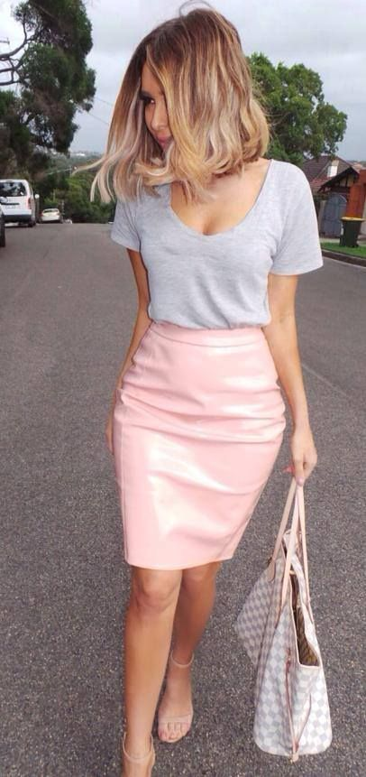 Loving the pink leather pencil skirt with the casual tee. And the shoulder length hair just makes it cooler.
