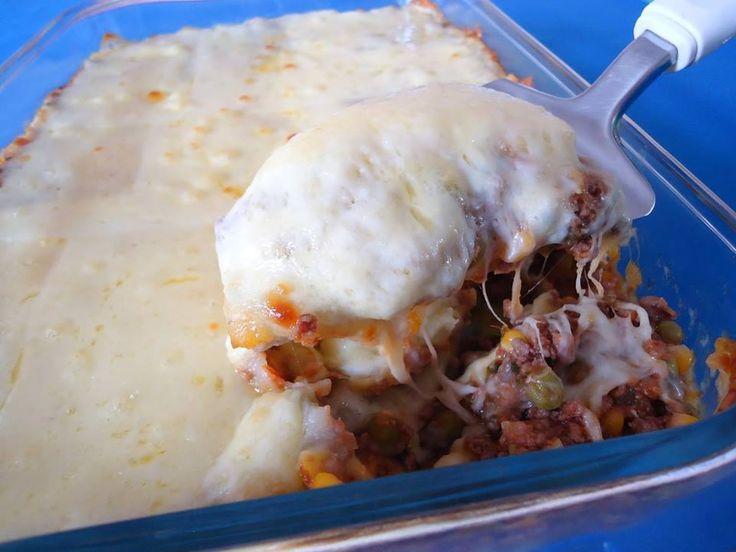 Ingredientes:Molho com carne moída- 500 gramas carne moída (sugestão: patinho)- 01 cebola grande ralada- 04 dentes alho amassados- 06 tomates picados- 02 folhas de louro- 03