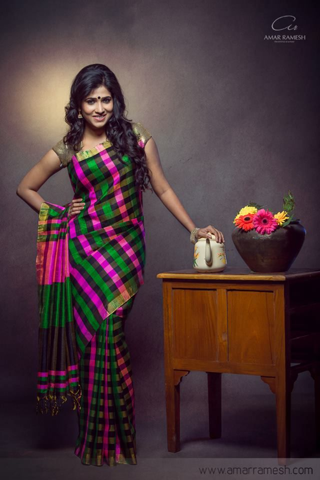 A South Indian bride's pride is her gorgeous Kanchipuram sarees which are further complimented by the colourful, matching bangles. The traditional sarees and bangles combo enhance and accentuate her beauty! We dreamt of these perfect combinations and hope they inspire you for your big day!! 1. Parrot Green & Pink