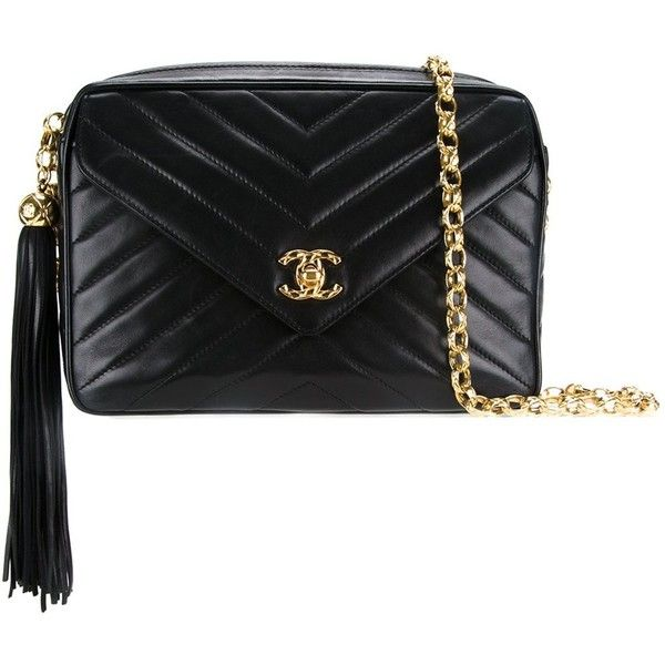 Chanel Vintage quilted shoulder bag ($4,150) ❤ liked on Polyvore featuring bags, handbags, shoulder bags, black, quilted purses, chanel, shoulder bag purse, quilted chain shoulder bag and chevron purse