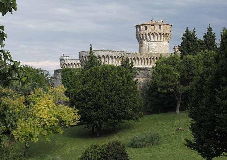 the Medici Fortress - Volterra  Tuscany #volterra #volterratur