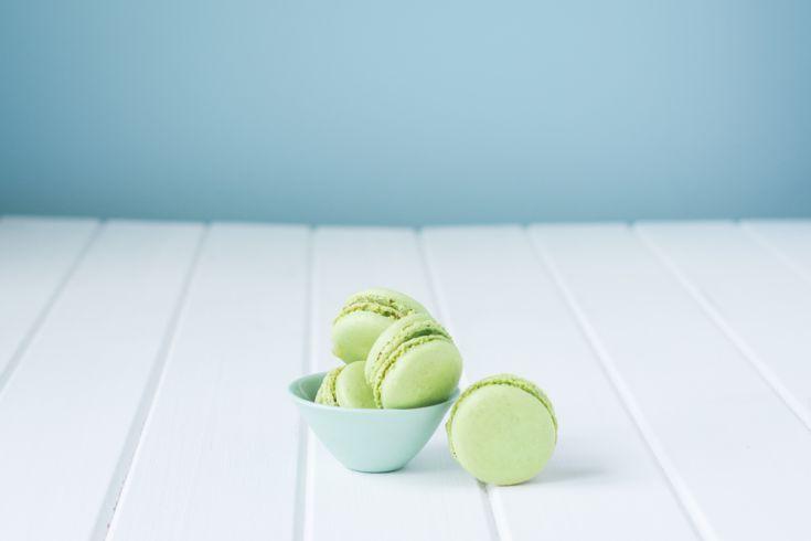 Pistáciové macarons s karamelovým krémom