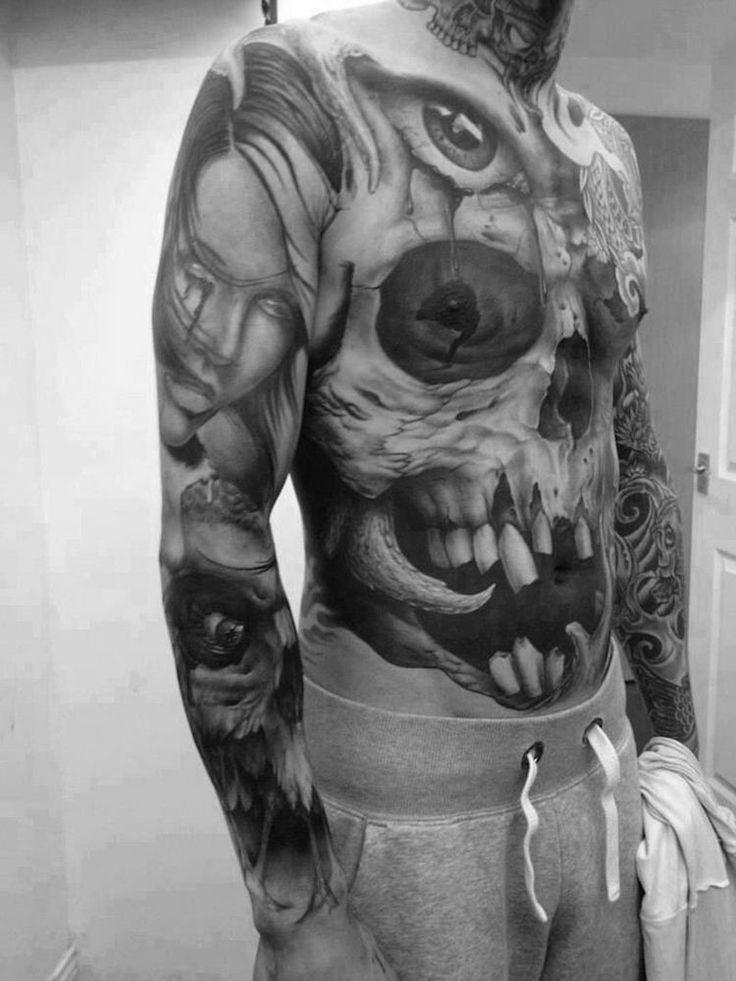 tatouage tête de mort intégral sur le corps entier