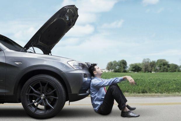 Alternatorul este o piesa esentiala intr-un motor cu ardere interna, cum este cel al automobilelor, deoarece este piesa ce are drept scop convertirea energiei mecanice in energie electrica. Energia electrica este sub...