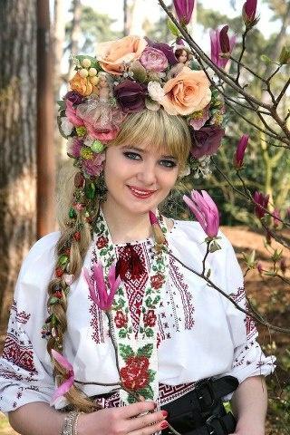 Ukraine Embroidery designs centuries old