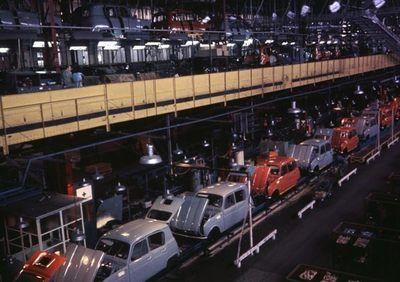 Production line  Renault 4L  #TontonsRider www.tontonsrider.be www.facebook.com/TontonsRiderTeam