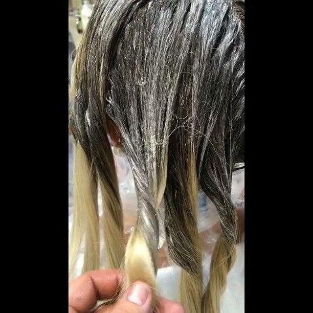 Представляем технику из темного в светлый с использованием жгутов. Меня частенько спрашивают какую роль играют жгутики ?! Обратите внимание, с  помощью жгутов можно добиться бликов на светлых волосах ☝🏼Смотрится очень эффектно  не правда ли ?!😘👌🏼 По всем вопросам ,касающимся окрашивания (фото исходного цвета волос,желаемый результат) Стоимость будет озвучено лично при получении ваших фото ! пишите на WhatsApp или viber  по номеру нашей студии +79663520505. По поводу обучения, организации…