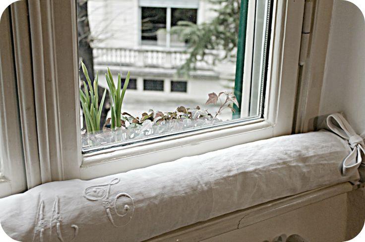 Come eliminare gli spifferi provenienti da porte e finestre http://www.comefaremania.it/eliminare-gli-spifferi-provenienti-porte-finestre/ #comefare #casa