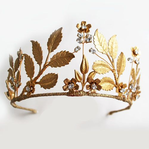 Gorgeous golden leaf crown from Nancy and Flo for the modern Bride. Pretty…