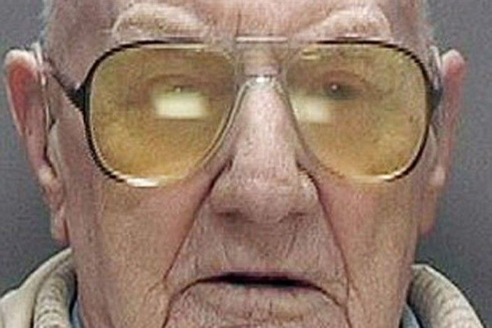 Pedófilo de 101 anos é condenado a 13 anos de prisão e será o preso mais velho da história do Reino Unido https://angorussia.com/noticias/mundo/pedofilo-101-anos-condenado-13-anos-prisao-sera-preso-velho-da-historia-do-reino-unido/