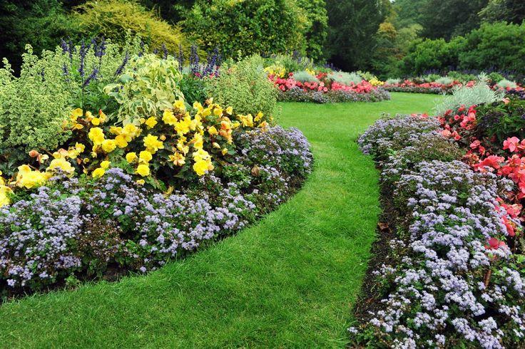 To, co chcemy mieć w ogrodzie w dużej mierze zależy od wielkości naszej działki. Niezależnie od powierzchni, jaką możemy przeznaczyć na ogród, najważniejsza jest <br />harmonijna aranżacja – dom i ogród powinny wzajemne się dopełniać.