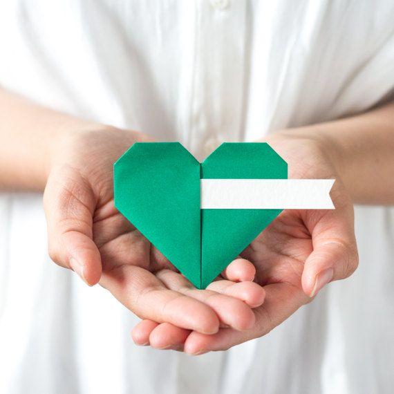 Dark Green Origami Paper Heart Guest Name Card by NANAZOOLAN