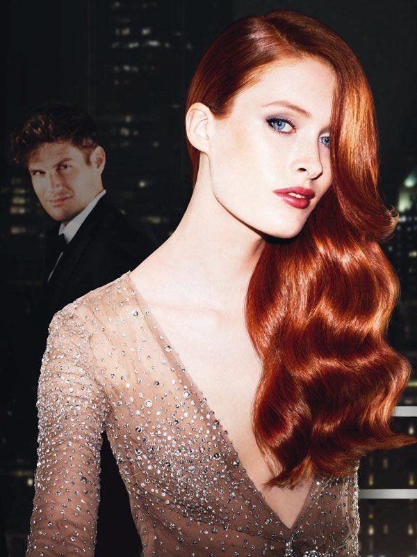 Kräftiger sind diese roten Haare von Redken. Die Farbbrillanz erhaltet ihr nach der Coloration am besten mit einem Farbschutz-Produkt, damit ihr lange etwas von dem Haarfarben-Trend Rot habt.Auch unter Models sind rothaarige Frauen schwer angesagt.