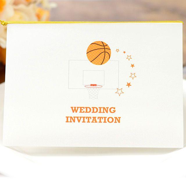手作り 招待状キット バスケットボール 1名様分 バスケが好きなお二人にぴったりの結婚式手作り招待状キット 楽しげなポップなデザインとなってます 手作り 招待状 招待状 結婚式 手作り