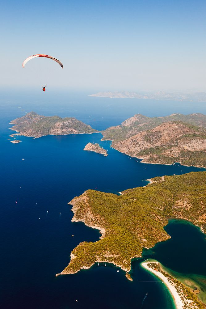 Para-sailing the Aegean Sea ... Just one more time in my life I want to do this again.