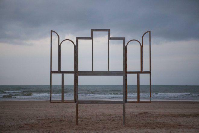 Kris Martin, Altar, 2014