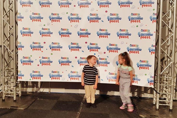 Vandaag was de eerste dag van het RTL Telekids Familiefeest in de Evenementenhal Gorinchem in samenwerking met Van Hoorne Entertainment . Heb jij ook kaartjes of zoek je nog iets voor tijdens de buitjes? Lees dan snel deze tips en wat de kids er van vonden! https://www.mamaliefde.nl/blog/rtl-telekids-familiefeest-eerste-echte-concert/