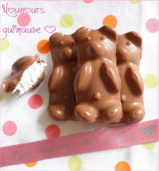 Du chocolat, de la pâte de guimauve et des moules en forme d'ours : voilà tout ce qu'il faut pour ré... - Photo Pinterest - Gourmandises de July