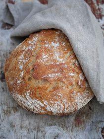 Dette er nok en utgave av eltefritt brød i gryte, med sammalt spelt. Brødet kan bakes i en ildfast form med lokk, i leirgryte eller i en st...