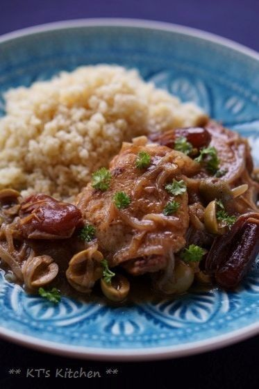 チキンとデーツ、オリーブのスパイス煮    モロッコの煮込み料理。クスクスによく合います。
