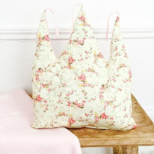 Coussin Couronne Rose bohème par avriletjim sur Etsy crown cushion, liberty cushion, girl cushion, princess cushion