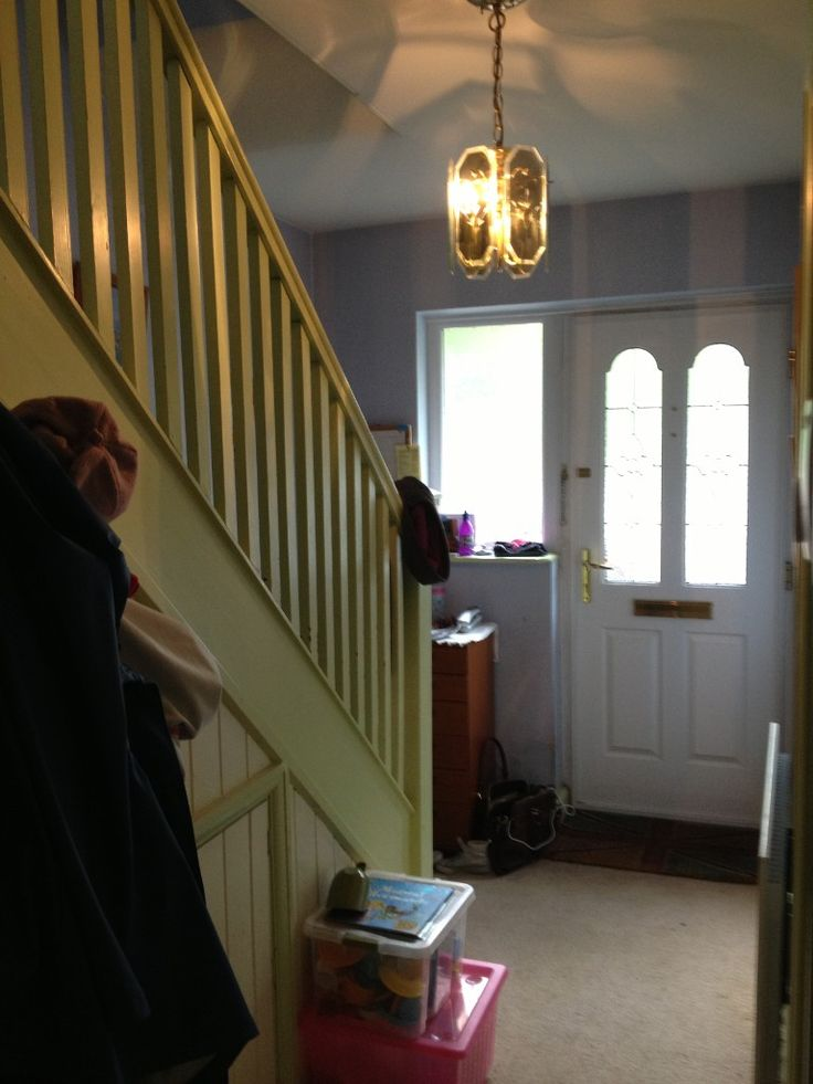 Glass stair balustrade in St Albans - Before (1/7)