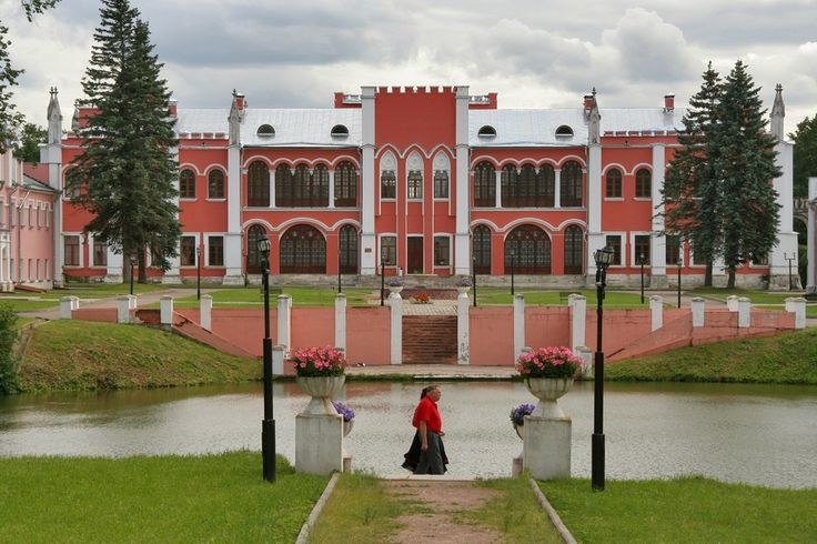 Усадебный дом-дворец