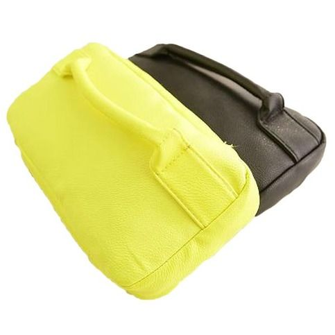 "It is a fashionable women clutch bag, with two colors: fluorescent yellow and black.The design is simple but fashionable. Makes you looks active.  Details: Material : PU Leather Color : Fluorescent Yellow, Black Weight : About 350g Length : 28cm(11.02"") Height : 14cm(5.51"") Width : 5cm(1...."