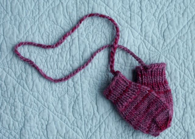 Baby Knit Mittens. Super Easy! DIY Baby Ideas Pinterest
