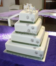 Dog paw Wedding Cake | Wedding cake with dog paw prints | Wedding Ideas | Pinterest