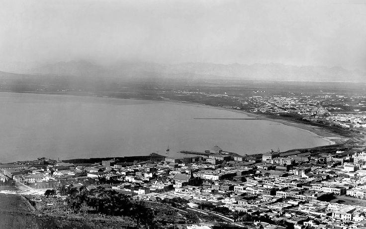 From Signal Hill 1898. | The grand Pier has not been built yet....it only came in 1913.