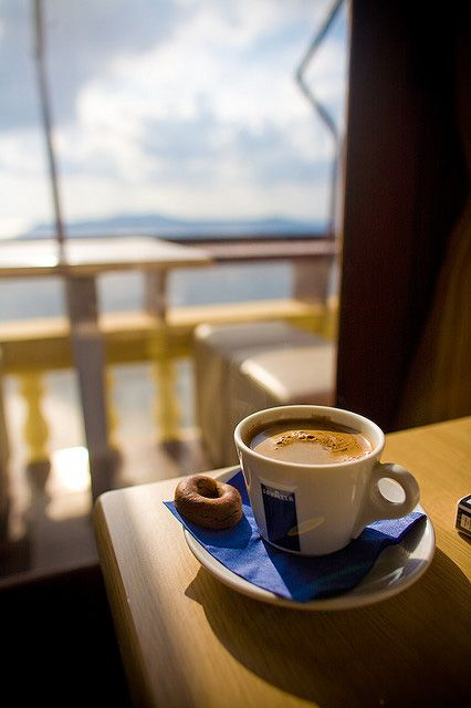 I want to be there and enjoy this view and taste this coffee ...
