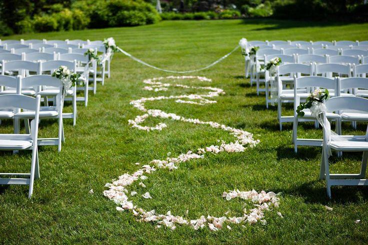 Knotspot.io   Local Wedding Planner App The Gates on Roblin Moore Photography  #winnipeg #manitoba #weddings #weddingplanner #weddingdetails #ceremony #reception #photographers #flowers #cake #details #inspiration #ideas #outdoorweddings #barnweddings #tentwedings #hotelwedding #planner #countdown #knotspot