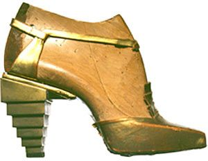 1931 Taking inspiration from Egyptian archeological finds, Salvatore Ferragamo creates this sandal 30s art deco shoes gold sandals artist designer couture modern art