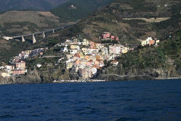 #Riomaggiore, nelle Cinque Terre. La casa del sindaco nel mirino della Forestale.