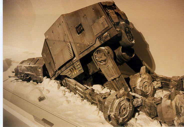 Art-of-Star-Wars-Exhibit-1995-Original-Prop-Blog-ATAT-1.jpg (860×594)