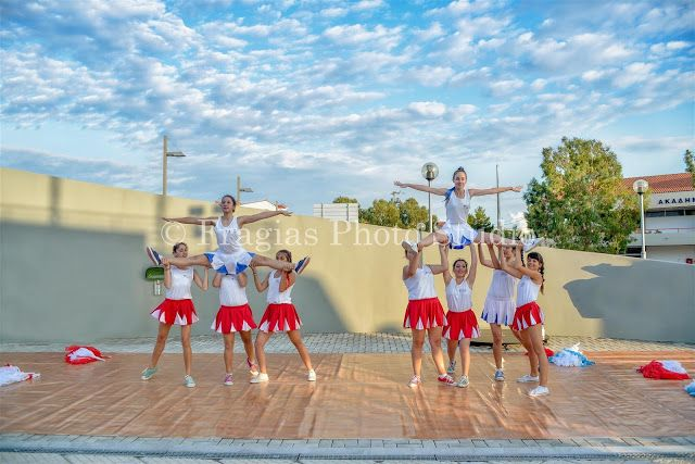 Η ετήσια δωρεάν παράσταση τής Σχολή χορού Art & Style Dance Studio της  Όλγας Γαλιατσάτου για δεύτερη συνεχή χρονιά γίνετε σήμερα 3/7/2015 στο θεατράκι στο μπαστούνι απέναντι από την ναυτική σχολή εμπορικού ναυτικού στο Αργοστόλι Κεφαλλονιάς. Είχε προγραμματιστή για την Κυριακή 5/7/2015 και ώρα 20,30. Λόγω του δημοψηφίσματος έγινε η αλλαγή της ημερομηνίας.  Σας δίνουμε μια μικρή γεύση από τις πρόβες.
