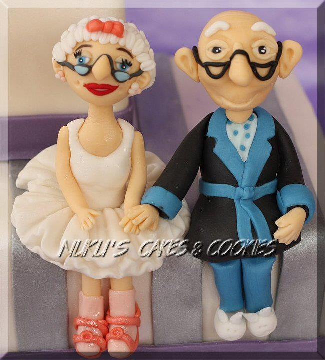 old couple wedding cake toppers 19 best cakes images on fondant 17982