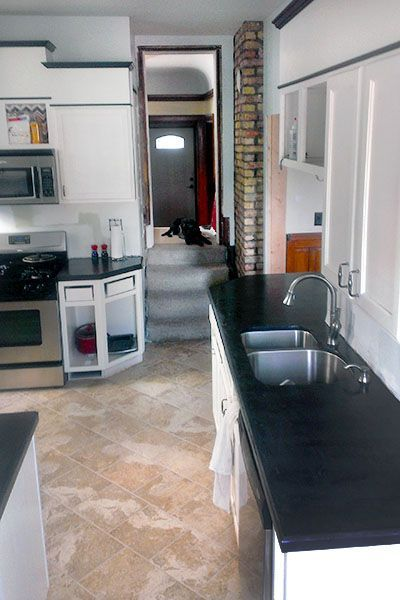 Easy DIY concrete countertop how to with links to pigment (for black or color).
